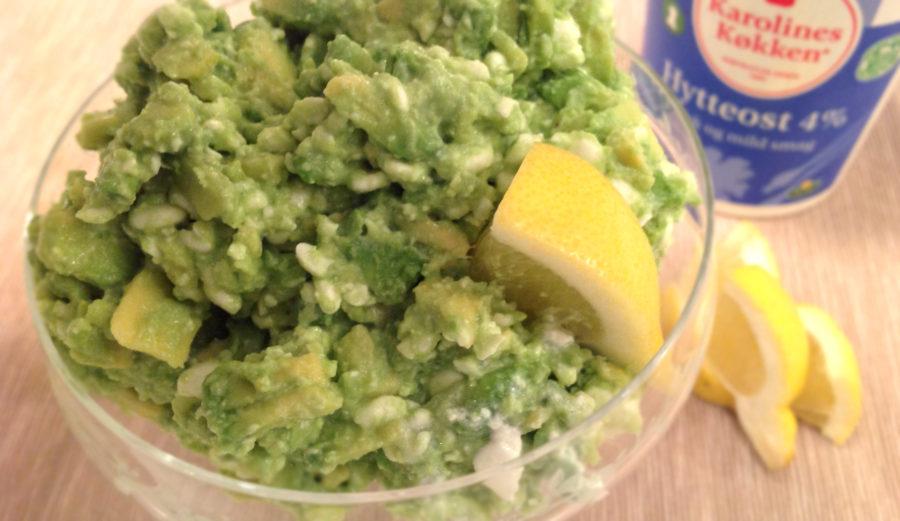 Grov guacamole med hytteost