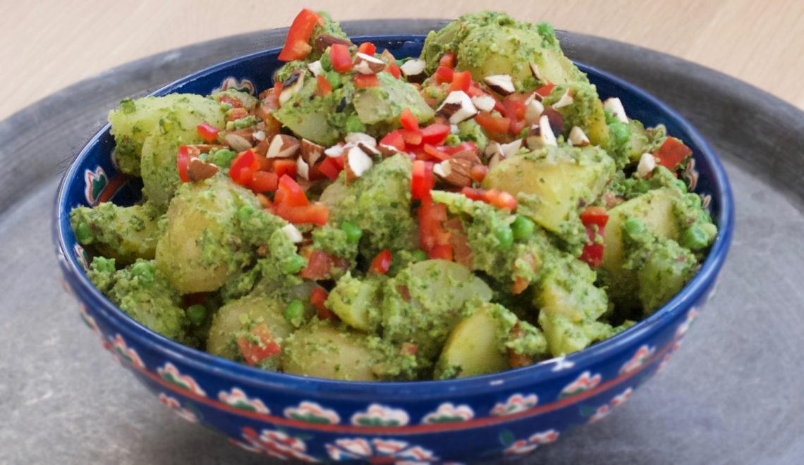 Kartoffelsalat med spinatpesto