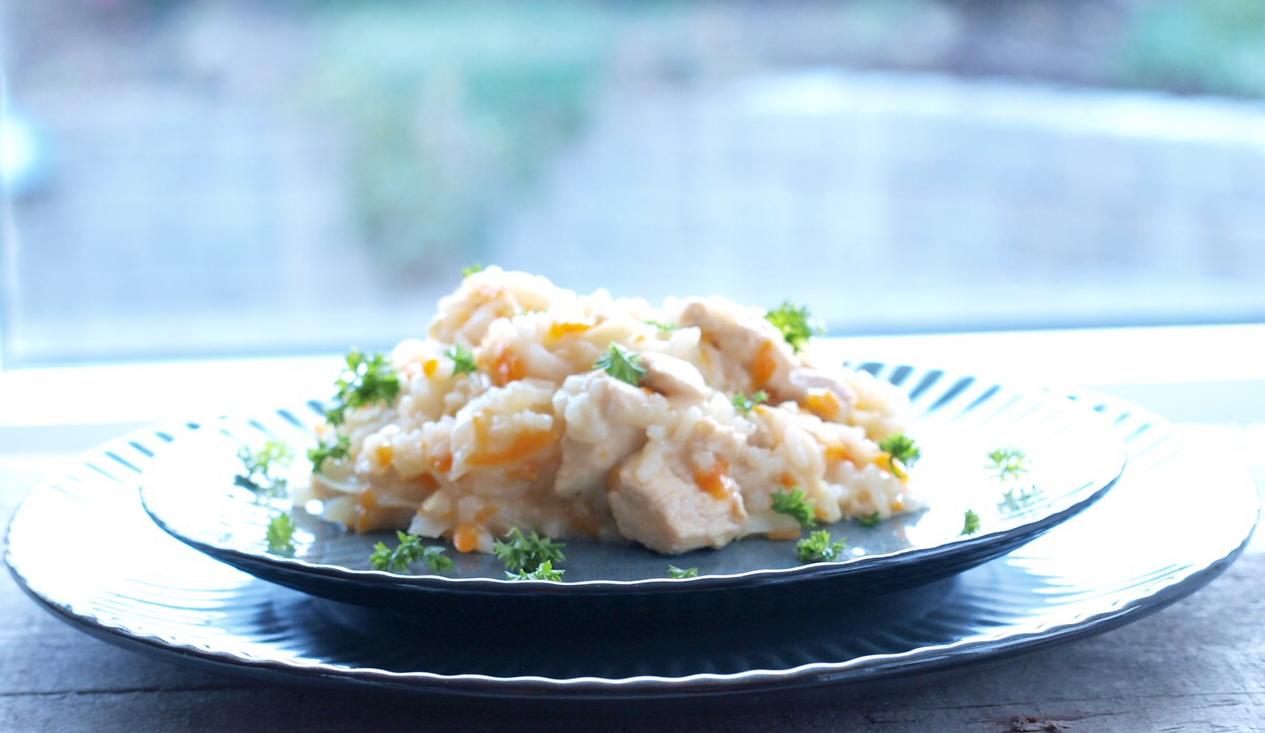 Rispilaff med kylling og spidskål - onepot