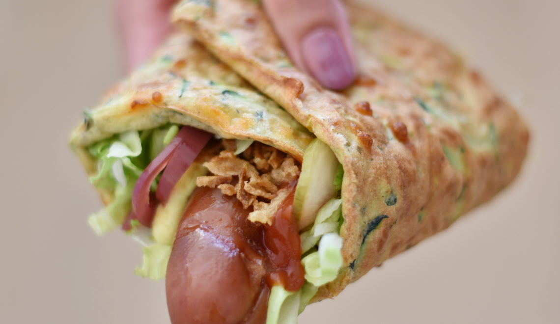 Hot dog i grønsagsfladbrød