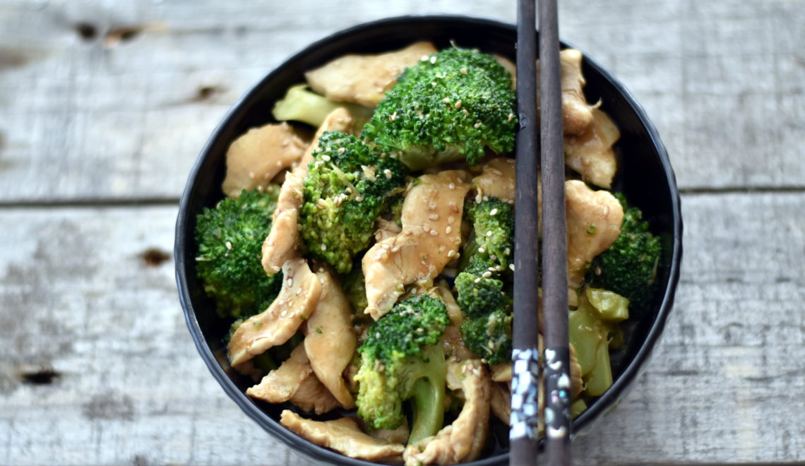 Kylling og broccoli stir fry