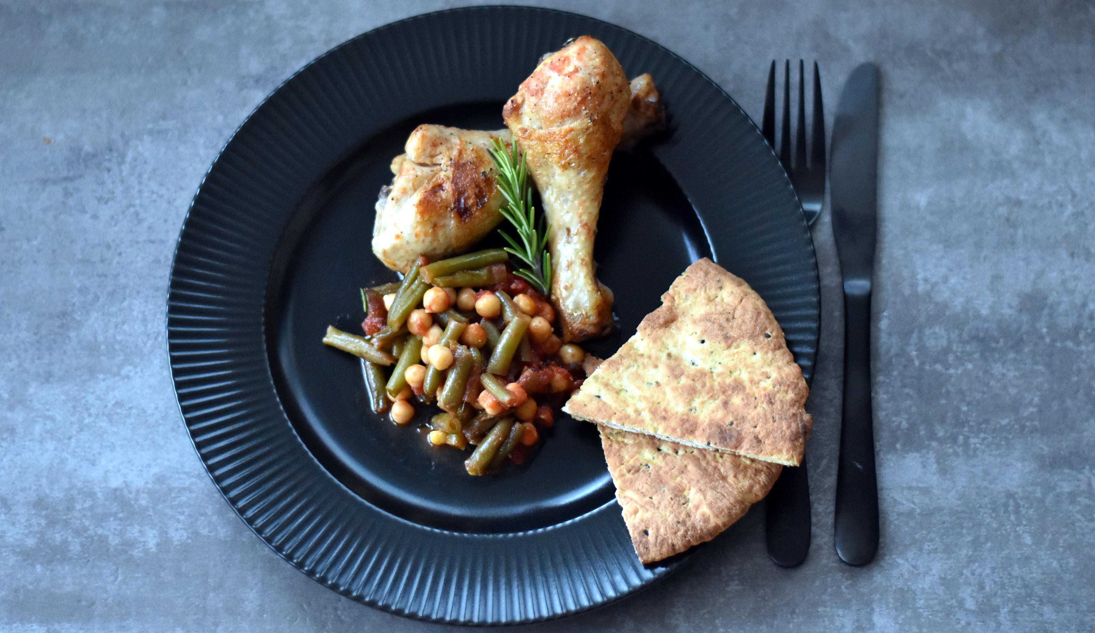 Kylling på kikærter og bønner