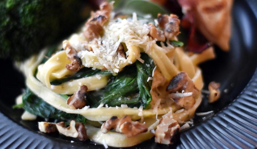 Salviepasta med spinat og valnødder2