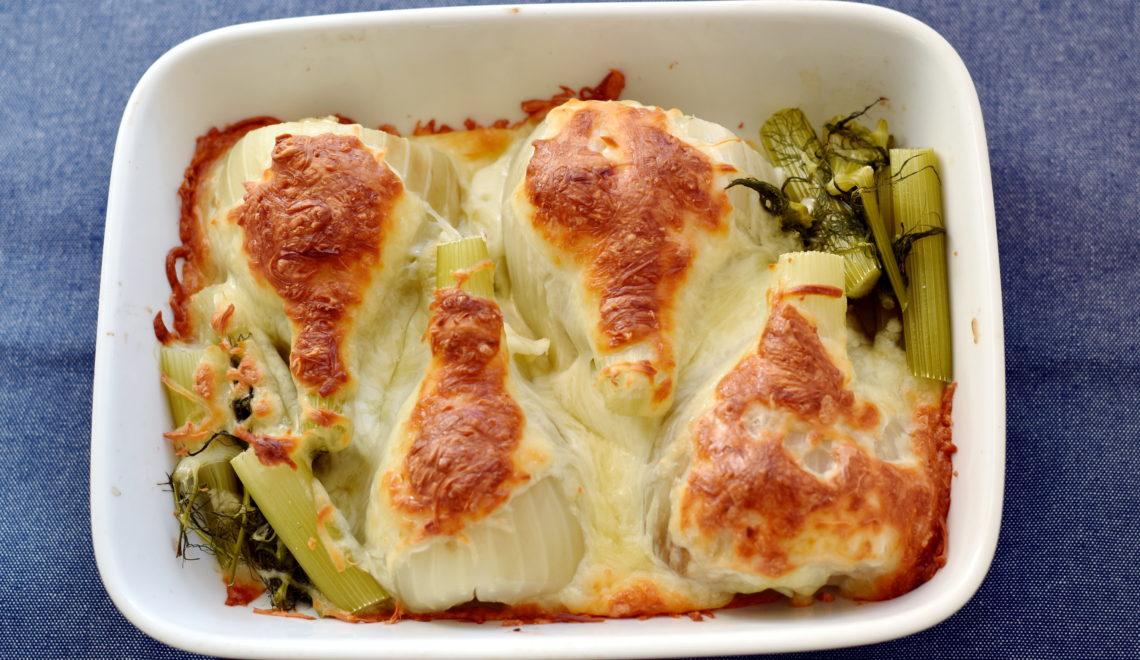 Gratineret fennikel er nemt og lækkert tilbehør med kun 2 ingredienser