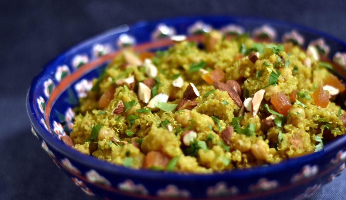 Marrokansk quinoasalat er en krydret og nem madpakke ide eller tilbehør til et stykke kød