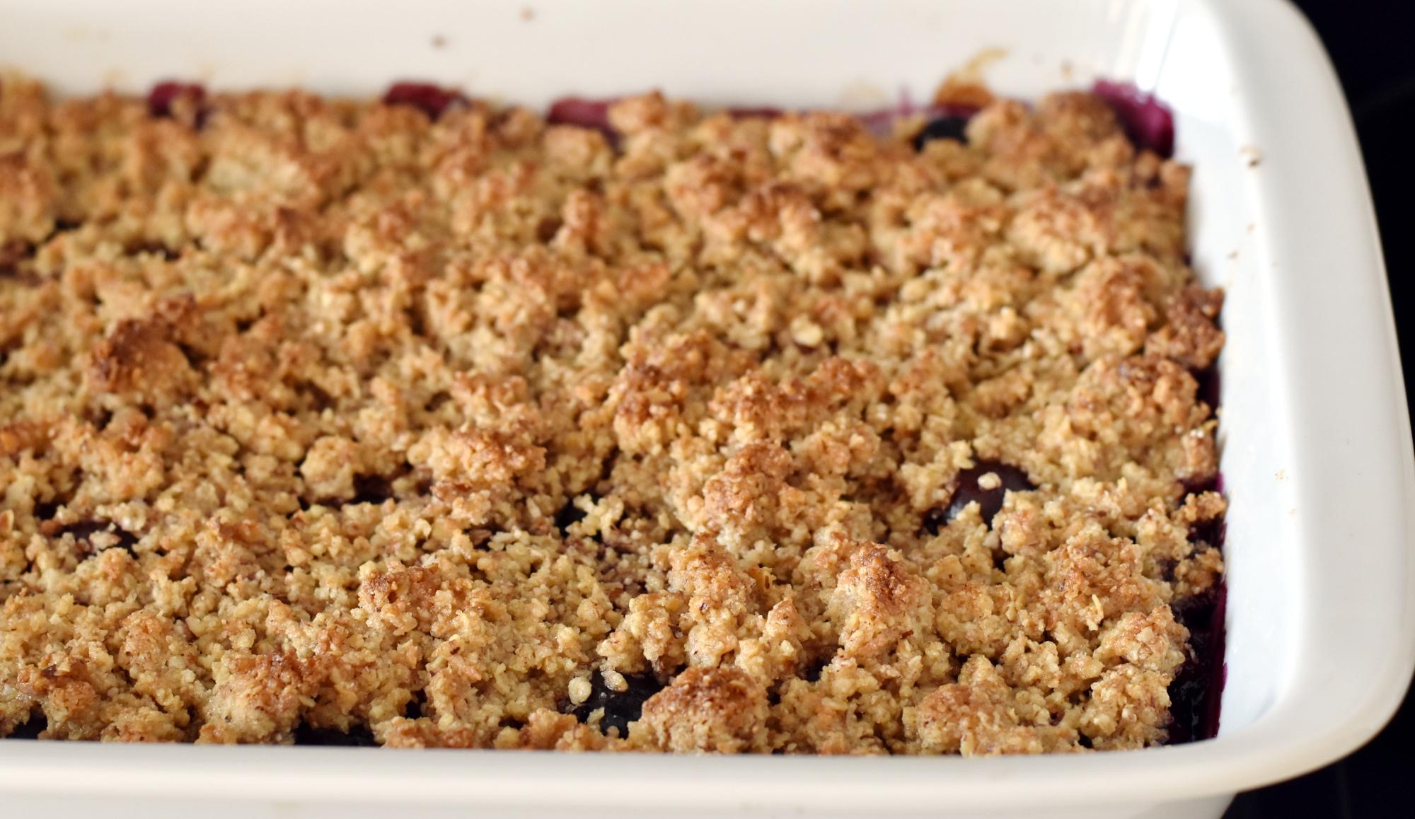 Crumble er god både som dessert - især om sommeren - eller til en kop eftermiddagste om vinteren
