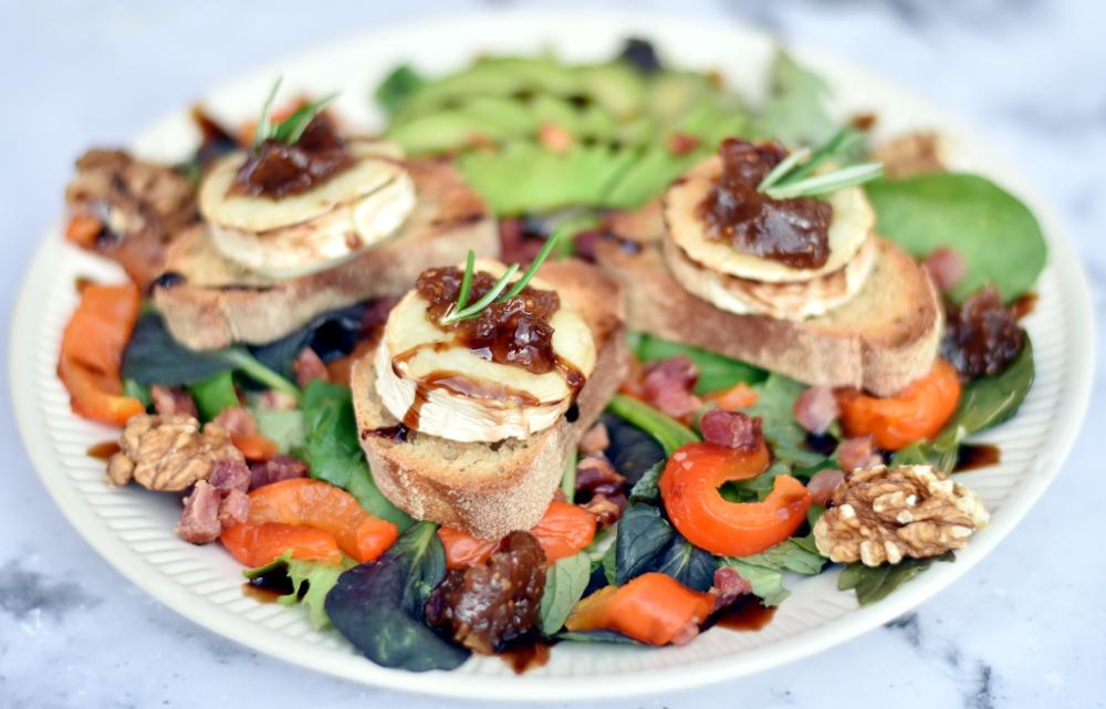 Chevre chaud - gratineret gedeost på salat